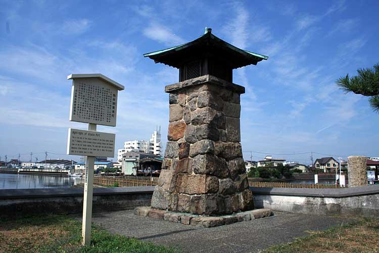 熱田湊常夜灯-熱田区神戸町<br>移築復元[19/22]