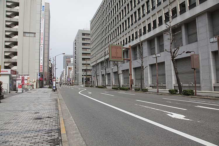 本町通-広小路本町交差点北<br>(2012年撮影)[21/22]