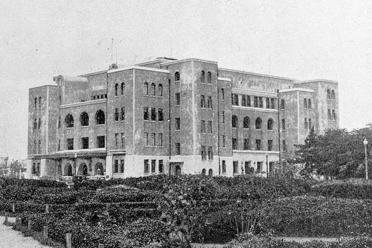 名古屋市公会堂-昭和区鶴舞1−1−3<br>昭和5年(1930)完成[12/24]