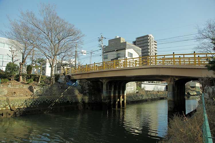 日置橋と堀川(2012年撮影)<br>中川区西日置町4[18/22]