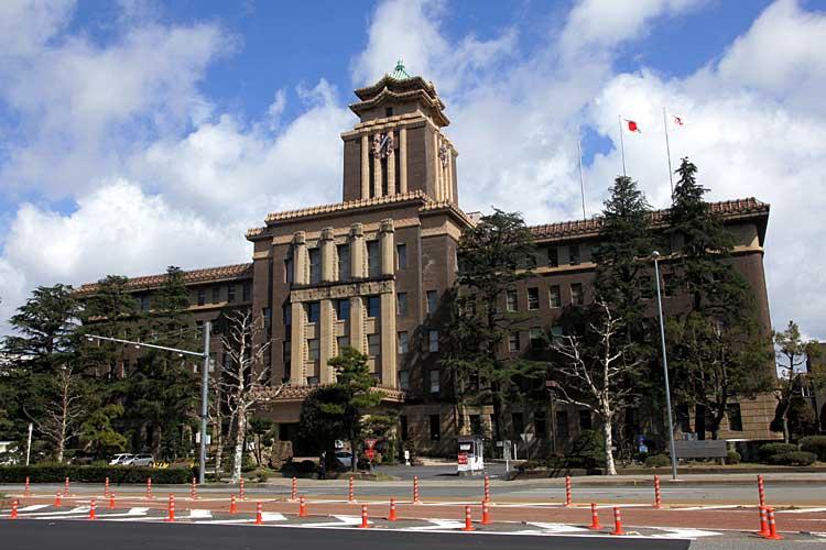 現在の名古屋市役所<br>(2012年)[7/20]