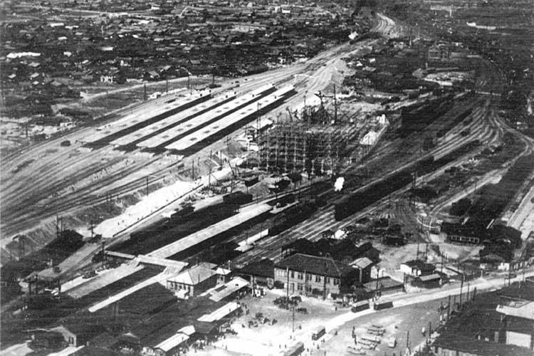 昭和11年(1936)頃の<br>旧駅(笹島)と新駅[18/19]
