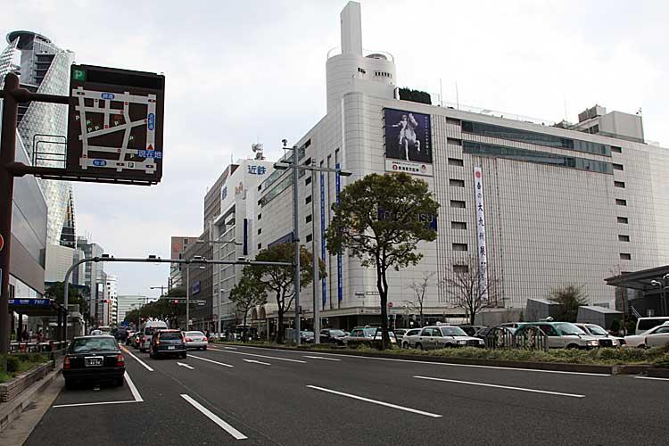 駅前から見た名駅通(2012年撮影)[15/24]