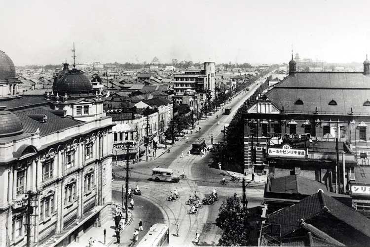 昭和10年(1935)頃の<br />栄町交差点[8/24]