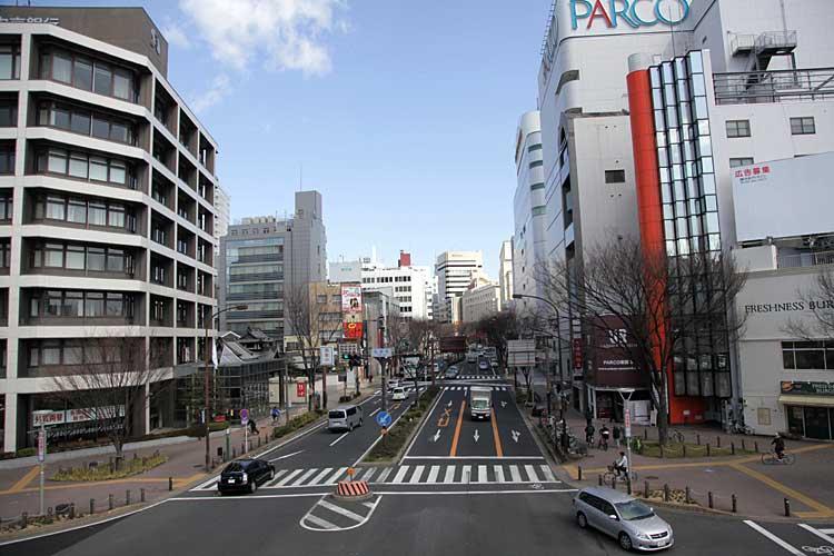 大津通を矢場町から見る<br />中区栄3-10,栄3-28(2012年撮影)[4/21]